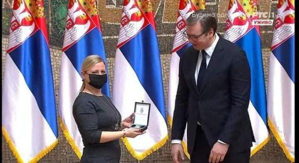 zlata medaila od prezidenta srbska