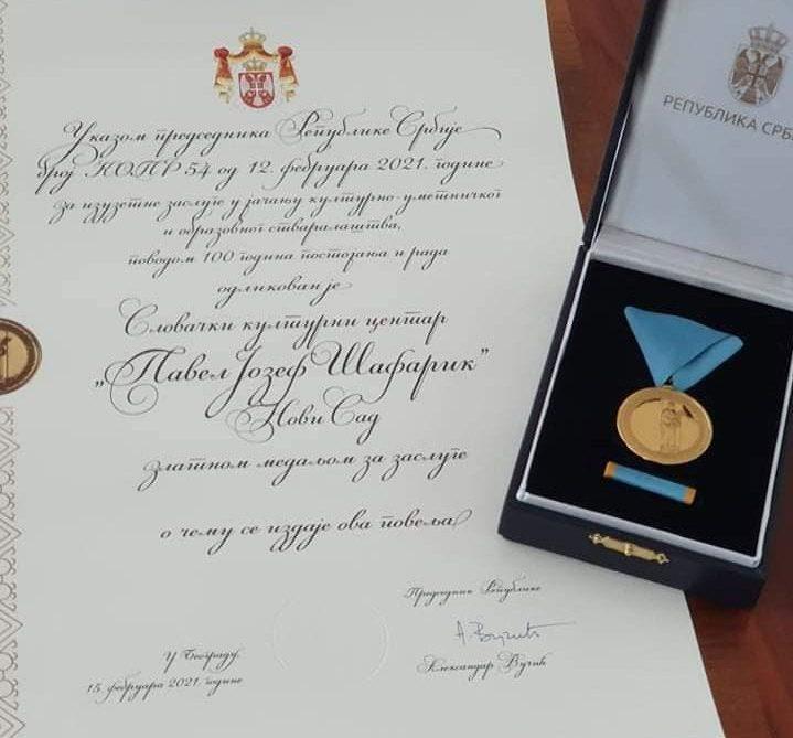Zlatá medaila