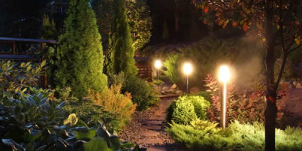 landscape-lighting-garden-path