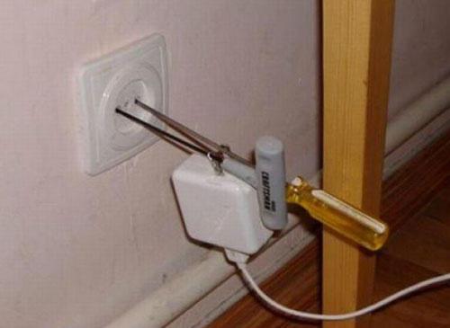 zasuvka-elektroinstalacia-fail